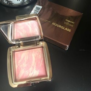 Hourglass blush shade Dim Infusion BNIB